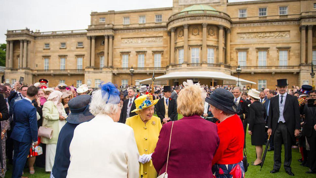Buckingham Palace 'overwhelmed' by response to garden picnics