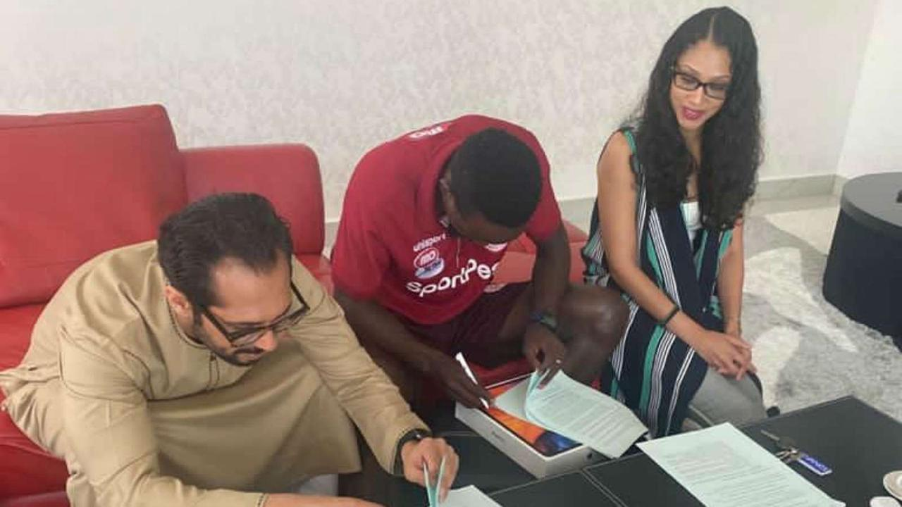 Chama ends Yanga SC speculation by extending Simba SC contract