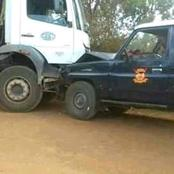 Who Do You Think Is On The Wrong Between The Lorry Driver And The Police Land Cruiser?