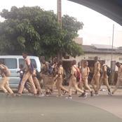 Koumassi : Les élèves du lycée moderne en colère prennent la rue pour réclamer une clôture