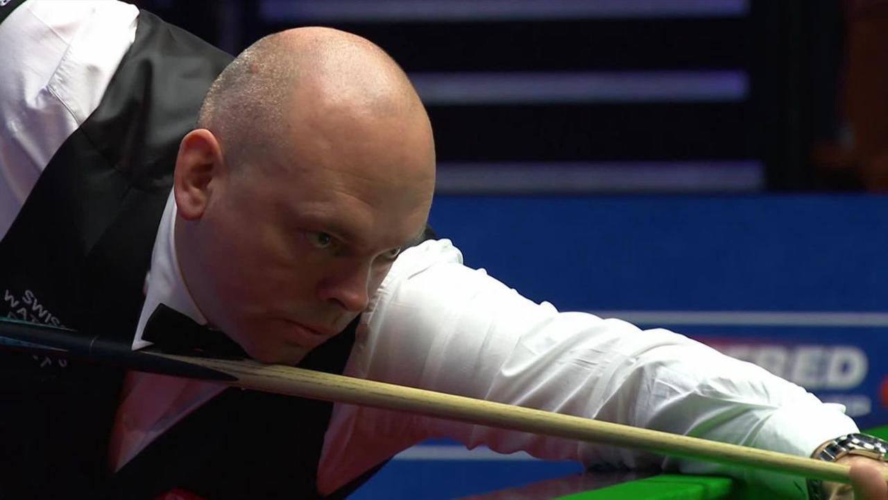 World Championship 2021 snooker: 'Superb' - Stuart Bingham makes 2,000th century in Crucible history