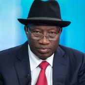 See What Goodluck Jonathan Did At An Event In Abuja Today (Photos)