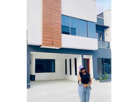 Meet 4 Nigerian Celebrities That Acquired A New House This Year