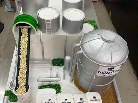 Access Bank Gifts Dangote Designers Cake To Celebrate His Birthday, Checkout The Beautiful Cake