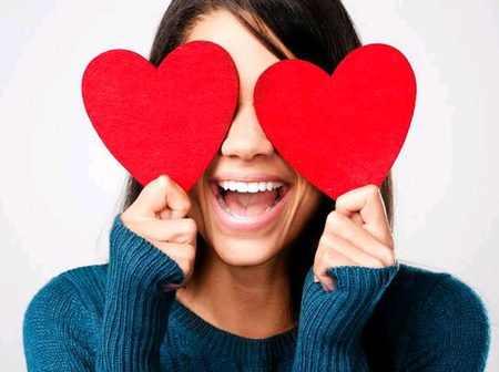 Any girl that does these 4 things is in love with you secretly