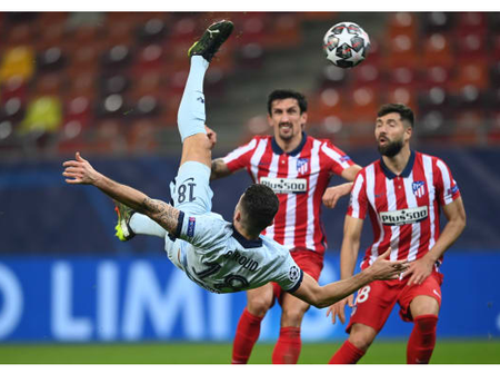 Oliver Giroud Scores With A Bicycle Kick Against Atletico Madrid