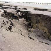 زلزالان وبرق ورعد وأمطار غزيرة تضرب البلاد.. ومواطنون: «مفيش كهربا ولا تليفونات»