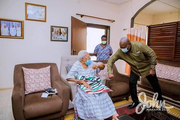 680d38a4289bc893581ac8e4d38fb982?quality=uhq&resize=720 - Mahama visits Amissah Arthur's mother at Cape Coast for her blessings ahead of the General Elections