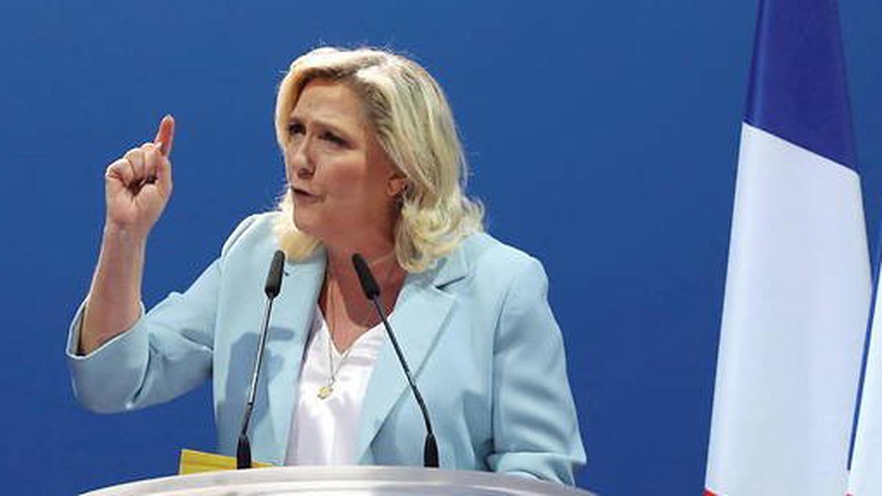Financement de campagne: Marine Le Pen appelle Macron à l'aide