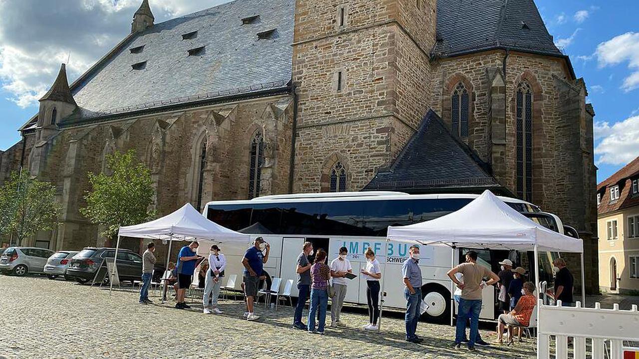 24 Menschen nutzen Impfbus-Angebot in Gerolzhofen