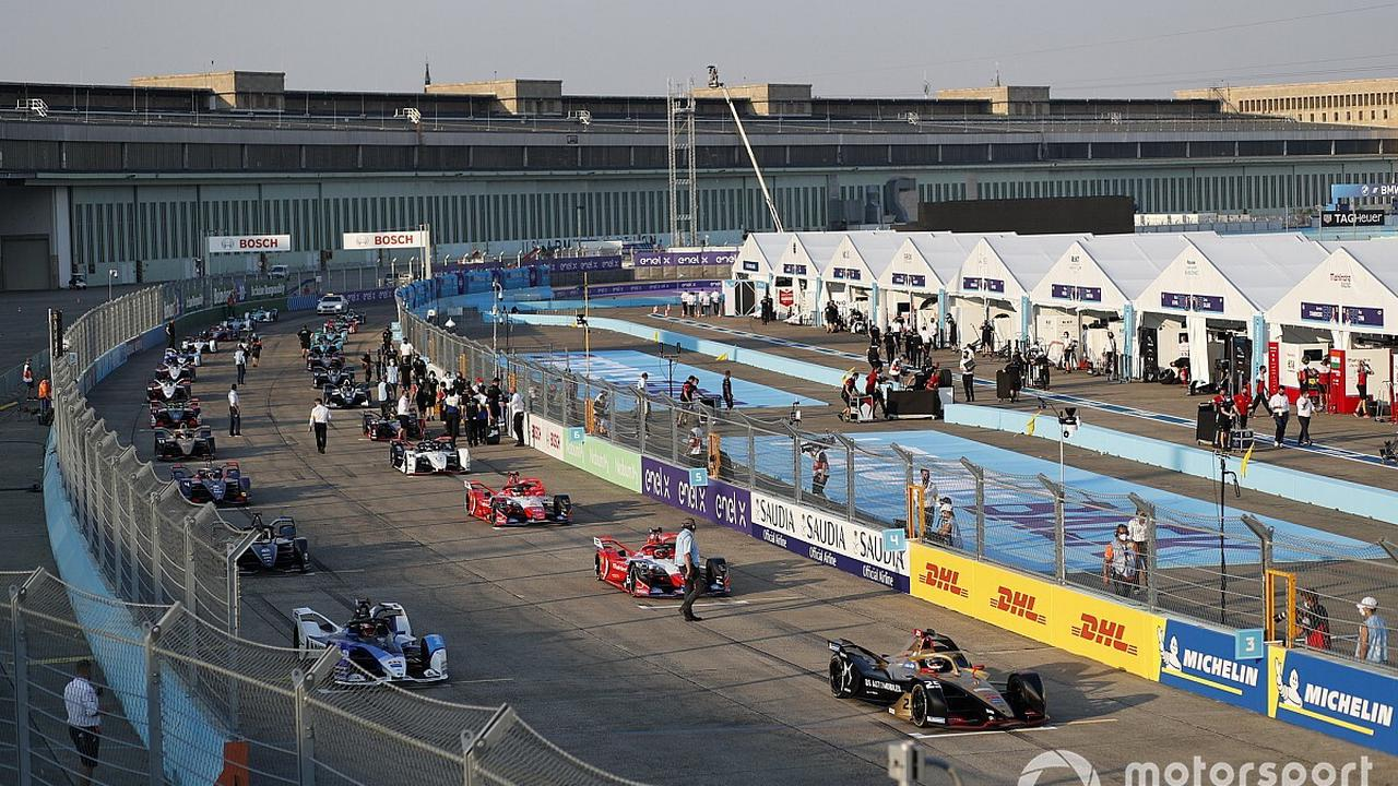 Duval doubts sincerity of drivers' praise of Formula E