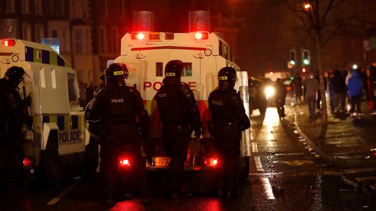 Northern Ireland government to meet as riots escalate
