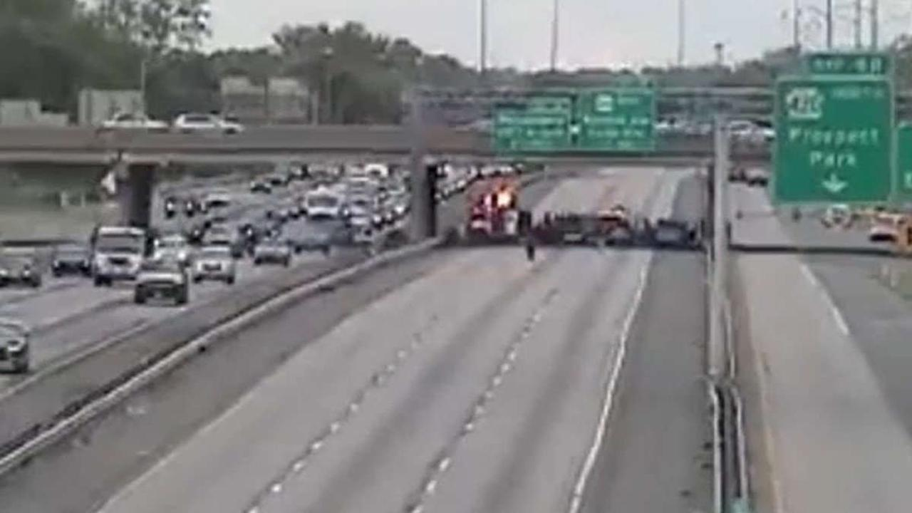 Girl Killed, 2 Women and 4 Children Hurt, in Crash on I-95 in Delaware County