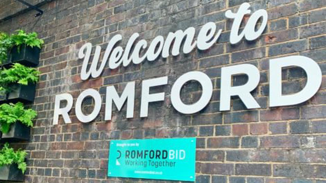 Welcome sign unveiled as Romford enters London in Bloom contest