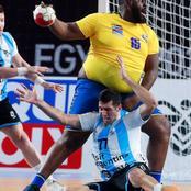 Handball : l'image du pivot de la RDC Gauthier Mvumbi qui enflamme la toile