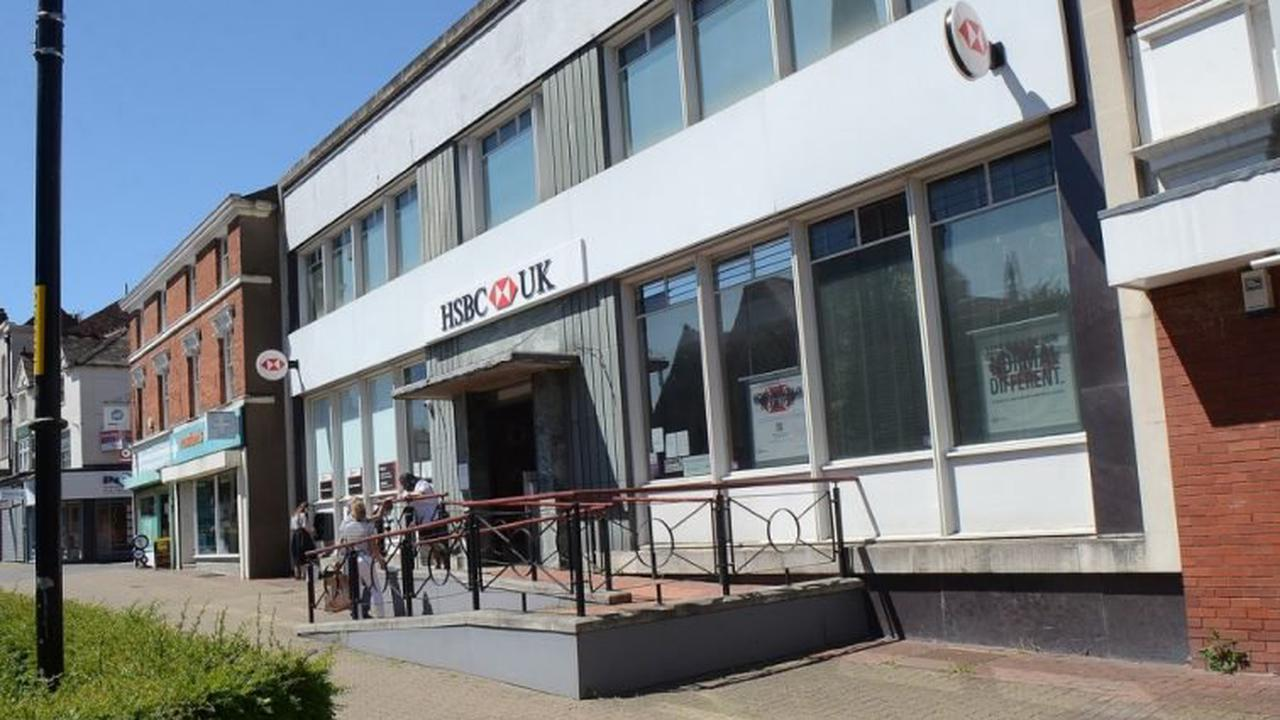 Customers vent anger as counter service goes at HSBC in Redditch