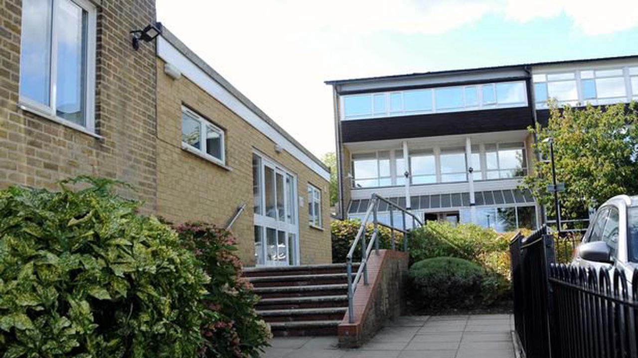 Grammar school brings back masks to stop COVID surge