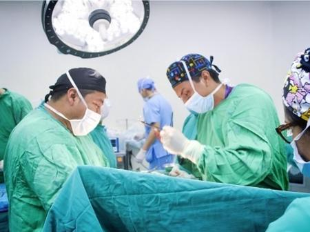 How this doctor died shortly before he was able to carry out surgery on his patient