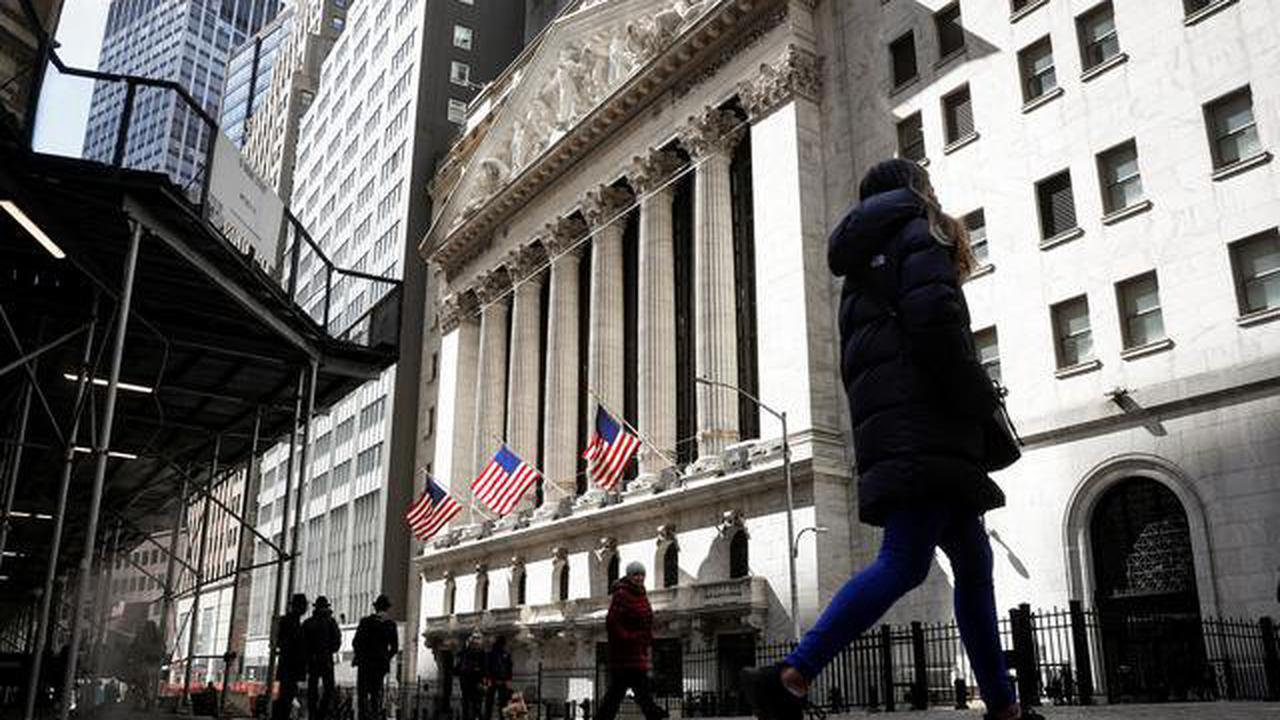 Nasdaq futures gain 1% ahead of weekly jobless claims data