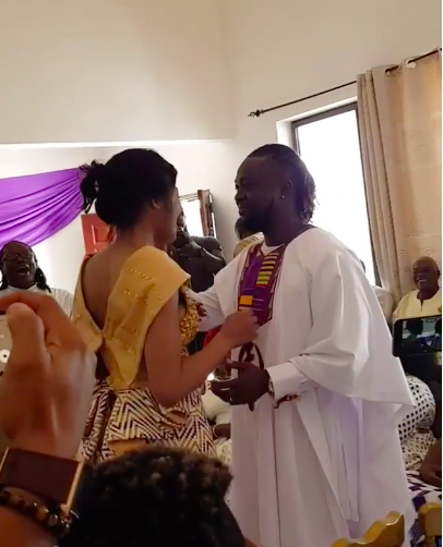 6e65594969474e3eb4305f5cbe80313e?quality=uhq&resize=720 - Painful Lost: Traditional And White Wedding Photos Of Eddie Nartey And His Wife, Vida Who Just Died