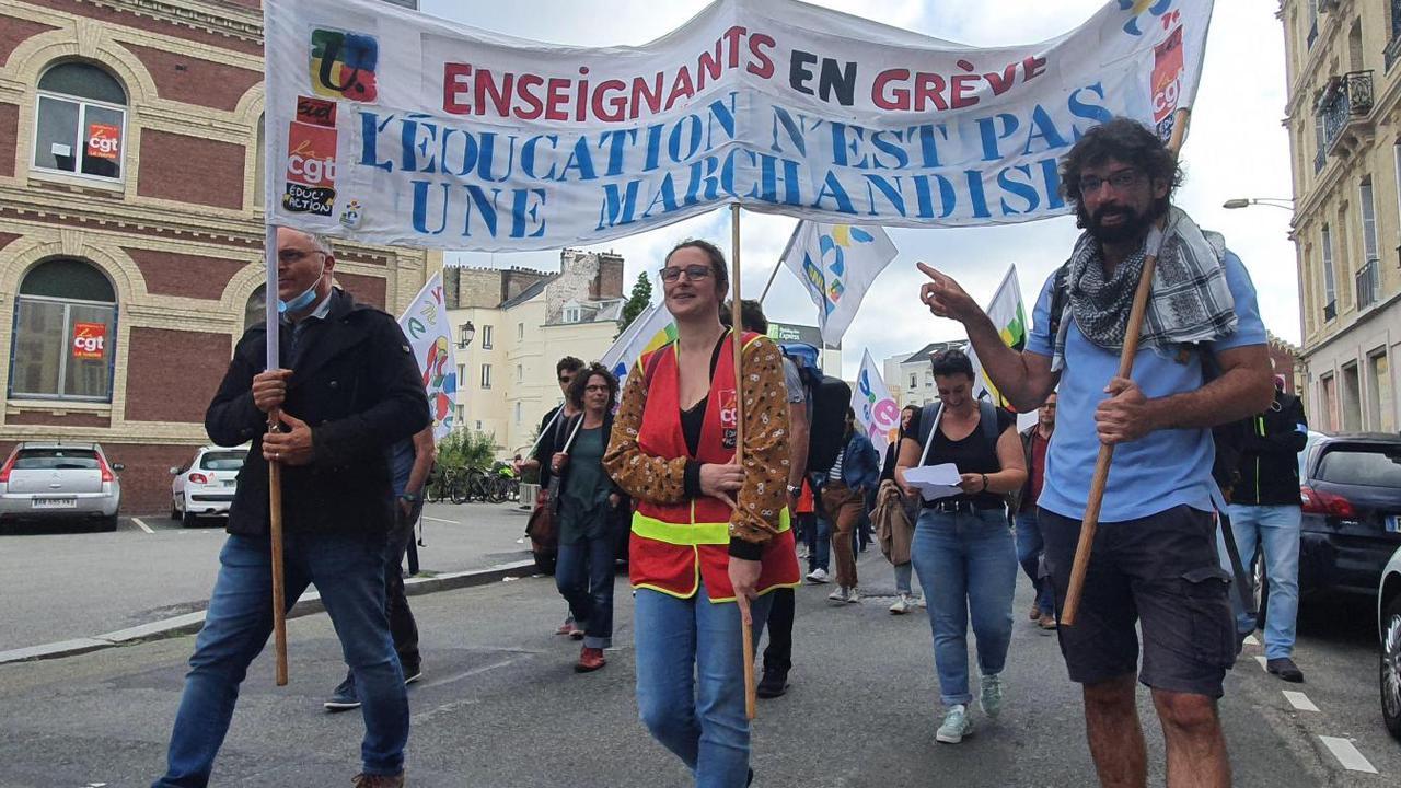 Les enseignants manifestent au Havre, parce que Blanquer ment sur cette rentrée