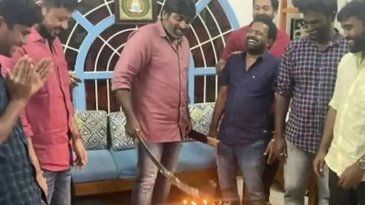 Vijay Sethupathi cuts birthday cake with machete, issues apology following controversy
