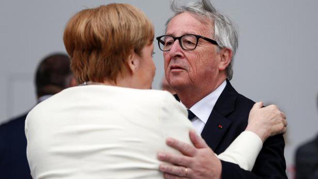 """Juncker über Merkel: """"Sie hat nie auf den Tisch gehaut"""""""