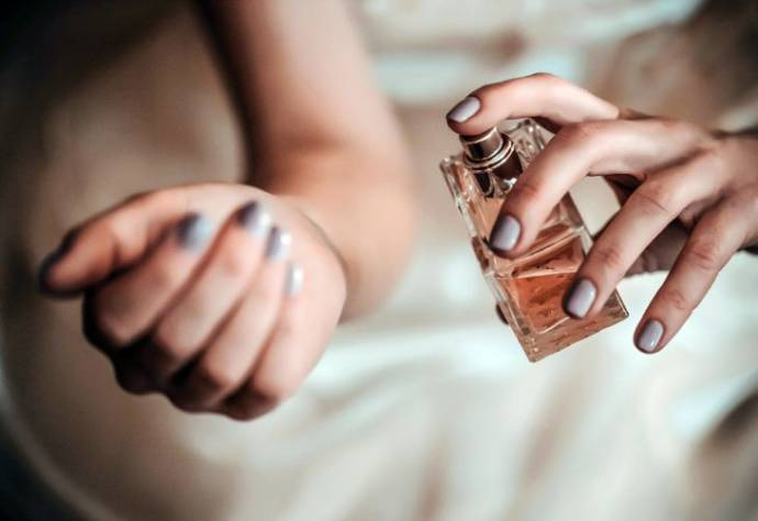 Best perfumes for women that last all day operanewsapp