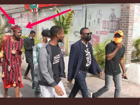 See Who Accompanied A Nigerian Human Right Activist To Court Today
