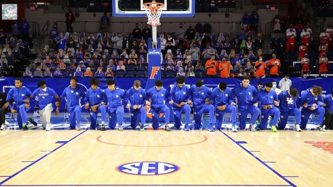 Photo: Entire Kentucky team took a knee during national anthem at Florida