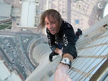 Meet Robert, The Man Who Climbs Skyscrapers With His Bare Hands