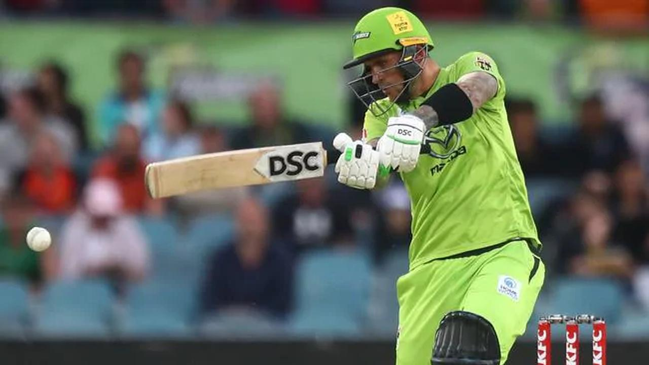 All the action from Tuesday night Big Bash: Sydney Thunder v Melbourne Stars and Sydney Sixers v Melbourne Renegades