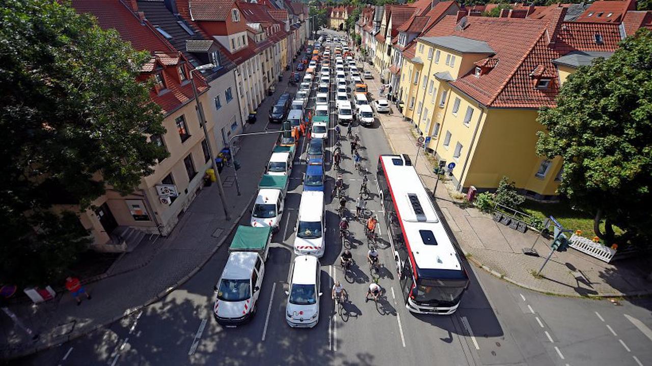 """""""Clara"""" in Erfurt gesperrt: Stadtverwaltung lässt Kritik an Verkehrs-Experiment abprallen"""