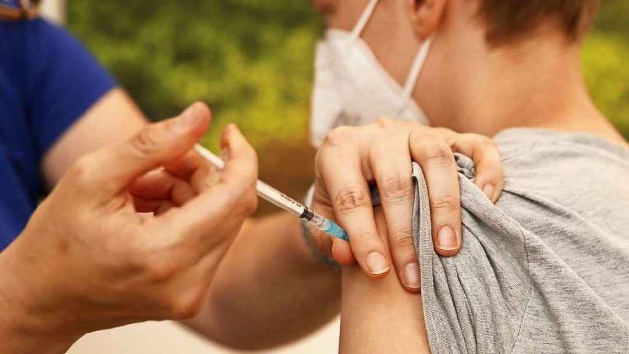 Corona-Impfung für Jugendliche: Stiko-Chef bleibt eisern