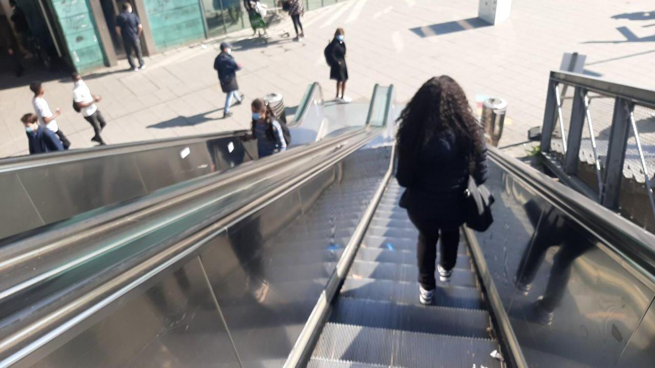 Braine-le-Comte : Un homme meurt étranglé par un escalator