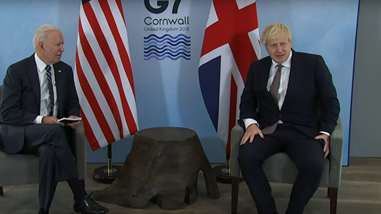 Boris Johnson tried to make children laugh with cringe joke and it didn't even raise a smile
