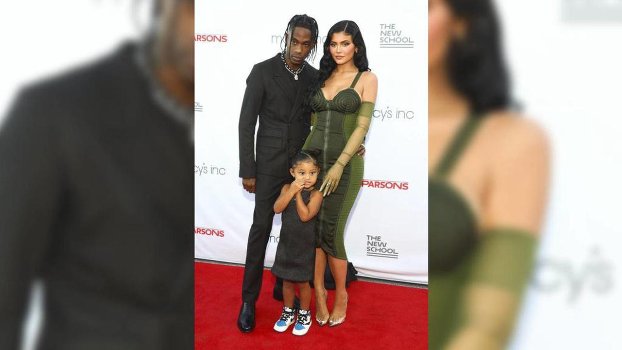 """Wieder ein Paar? Travis Scott nennt Kylie Jenner """"seine Ehefrau"""""""