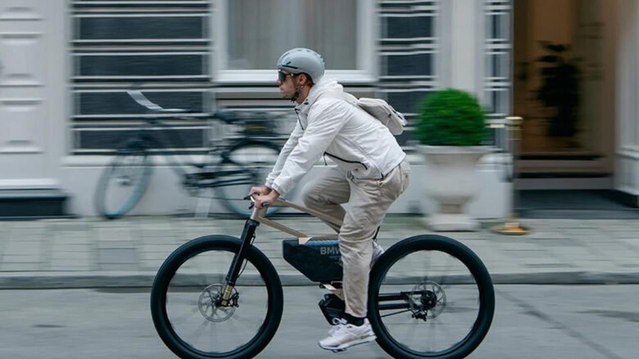 BMW dévoile un puissant vélo électrique, filant à plus de 60 km/h !