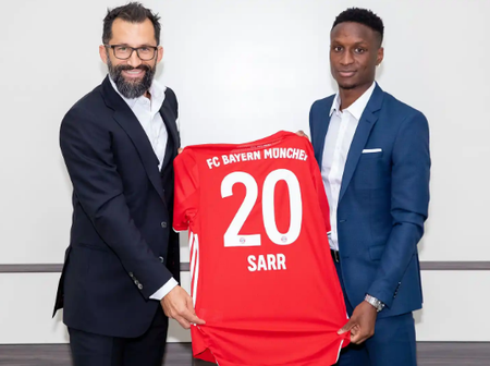 Bayern Munich confirm the signing of Bouna Sarr from Marseille.