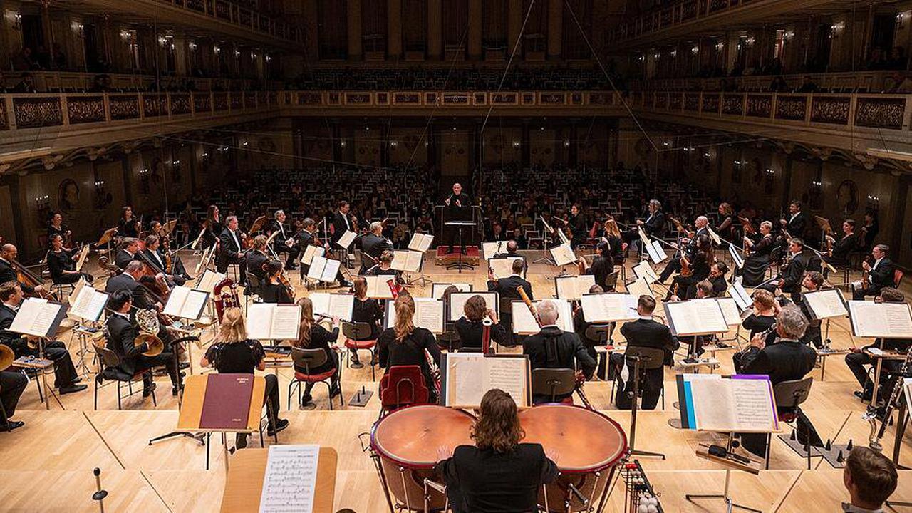 UK: Kulturkampf in der Oper 14 weiße Musiker entlassen
