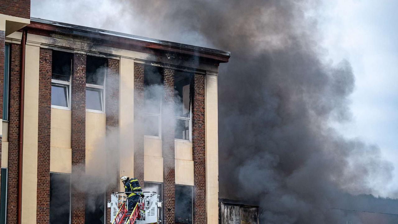Brand in Stahlfabrik unter Kontrolle