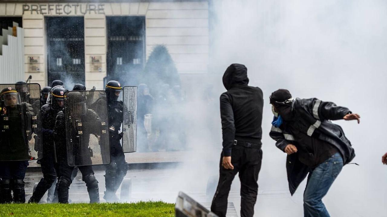 Six interpellations lors de la manifestation à Nantes contre le pass sanitaire