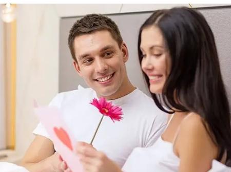 7 Romantic Christmas Messages