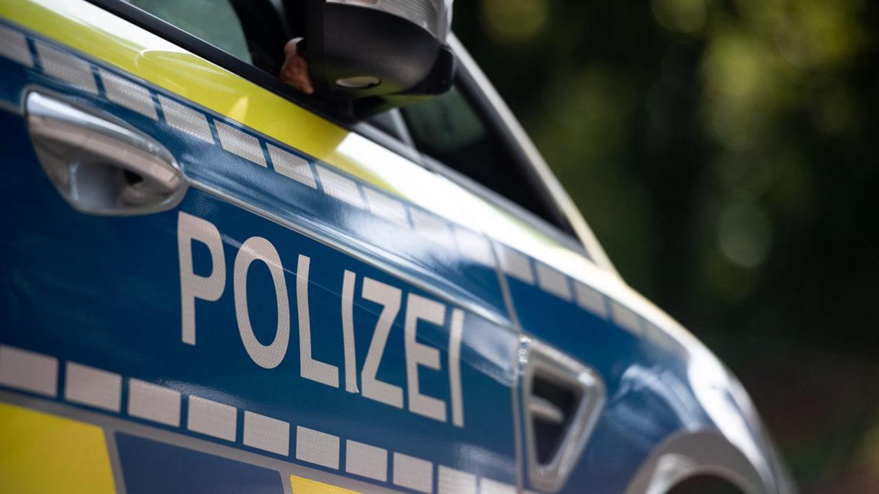 Schwerer Diebstahl in Hoyerswerda: Einbruch in Freizeiteinrichtung: Unbekannte stehlen zwei Autos, Computertechnik und Bargeld
