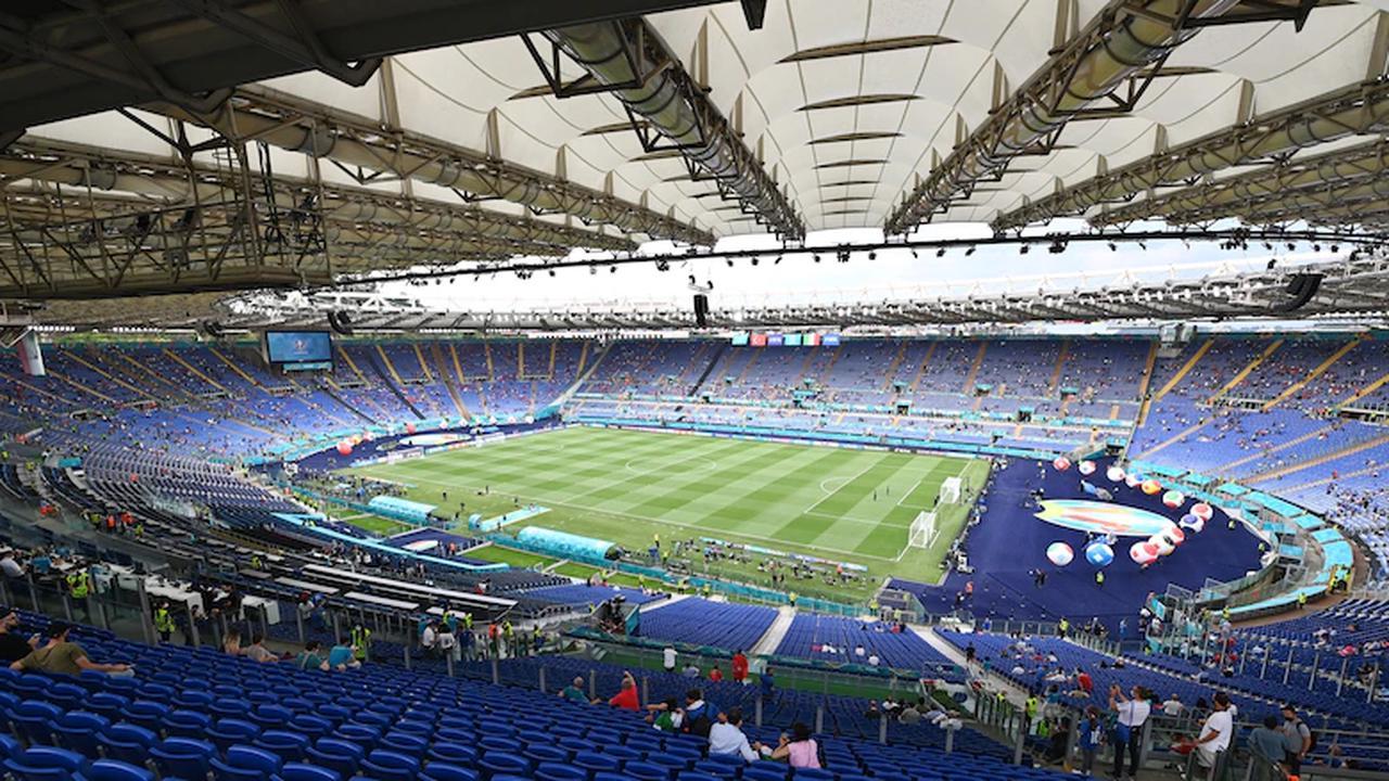 Nahe des Stadions: Polizei entschärft kurz vor Spielbeginn zwischen Italien und Schweiz eine Autobombe