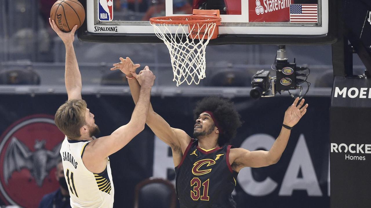 T.J. McConnell's unique triple-double leads Pacers past Cavs