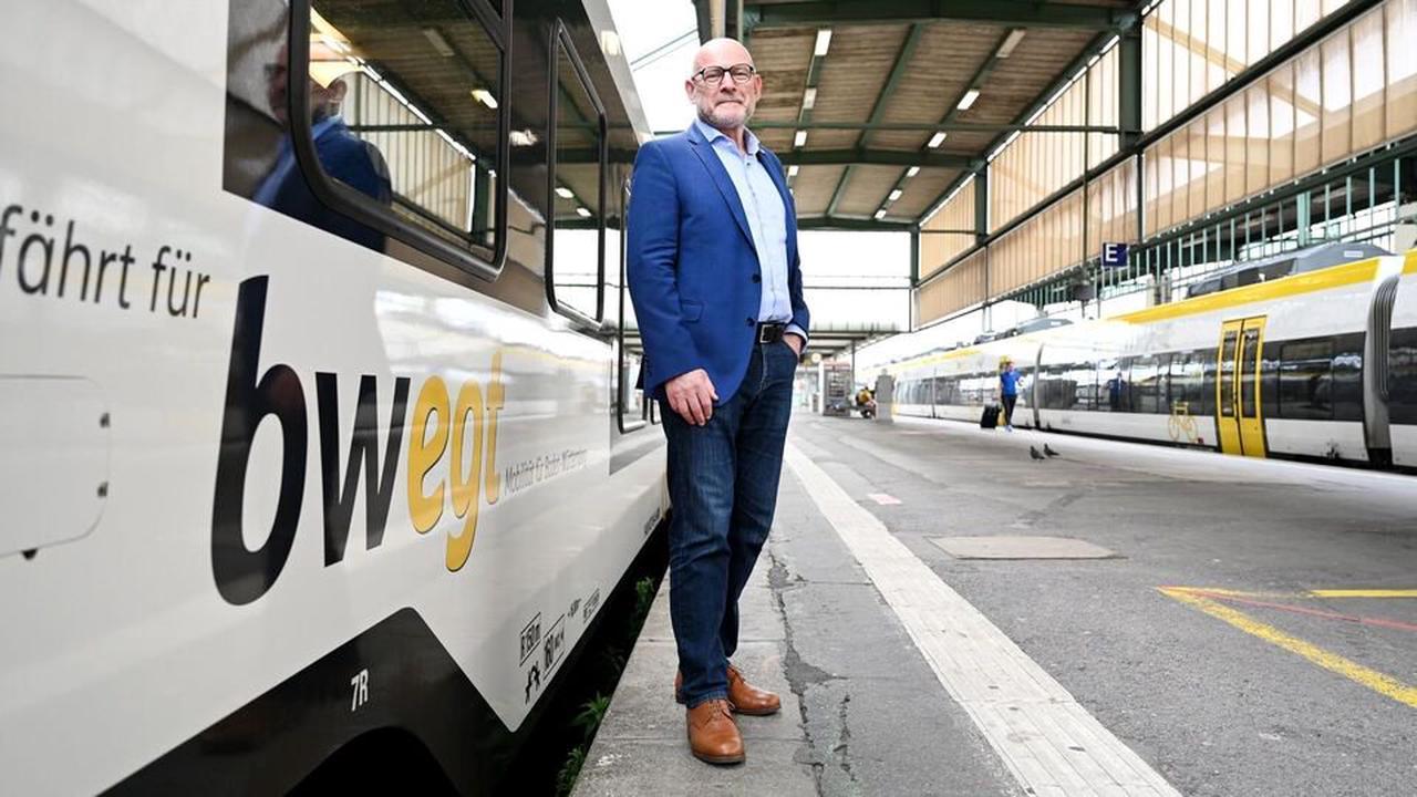 """Hermann: Erster Schritt zur """"Mobilitätsgarantie"""" bis 2026"""