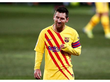 Huesca goalkeeper denies Messi first goal in 2021.
