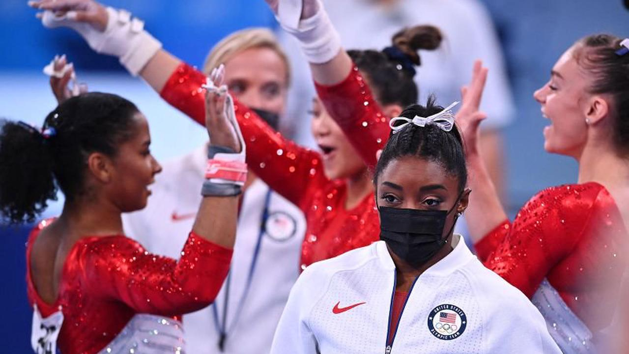 Simone Biles drops out of individual floor competition