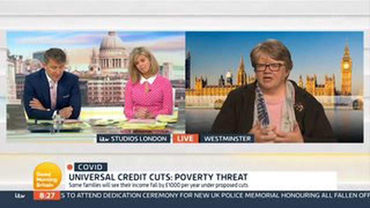 Universal Credit warning as self-employed could see payment cut from today